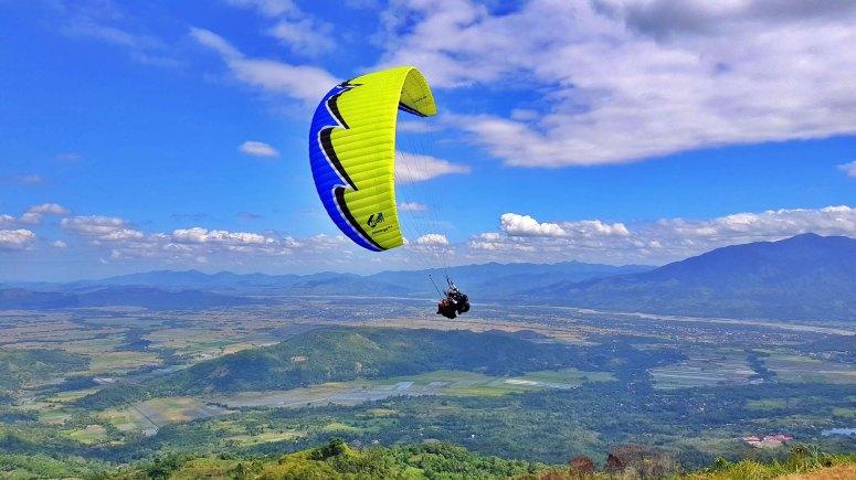nuviz-paragliding-2