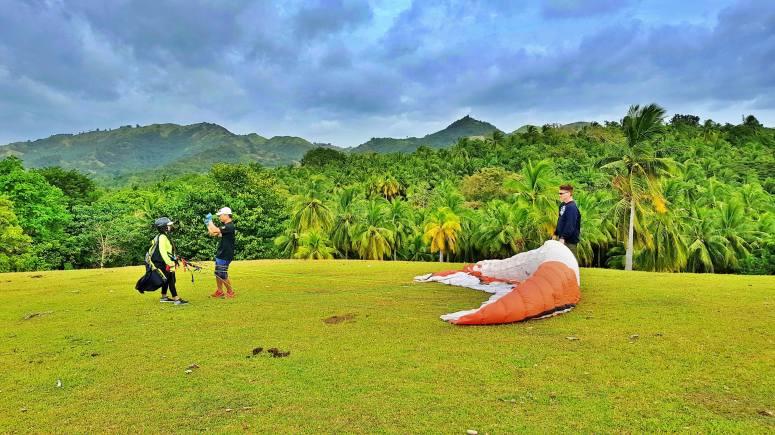 tablas island paragliding course